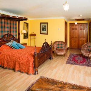 Traditional Scottish Suite